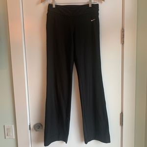 Bootcut Nike Black Women's Athletic/Yoga Pants